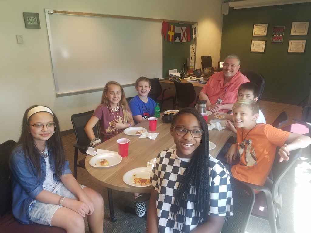 Team Echo eats lunch with Mr. Dulcamara