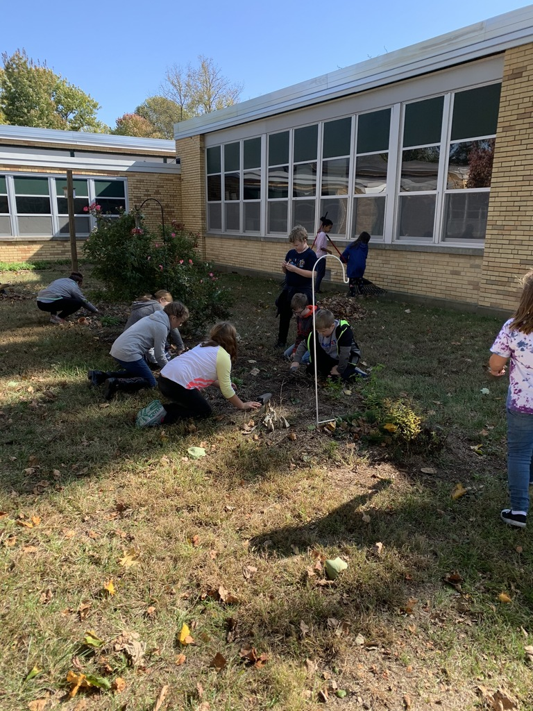 MES's 4th grade gardening club planted bulbs today. We can't wait for them to bloom in the spring! #MESProud #19EveryStudent