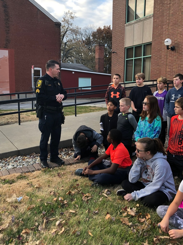 Officer with RRR students